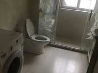 富泽苑 房东诚心出租 超大空间 两个车位 干净整洁