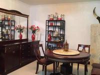 钢峰新村 精装修 大3房 只要1900 看房子方便。