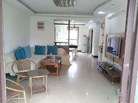 新城翡翠湾 精装大三房 双阳台房东诚心出售的 看房随时