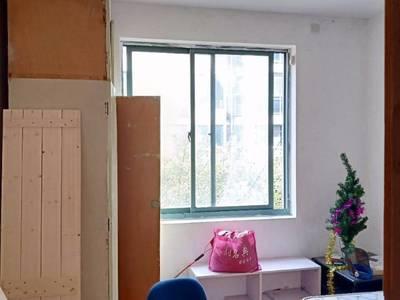 出租锦景园3室1厅1卫93平米,送车库10平1450元/月住宅