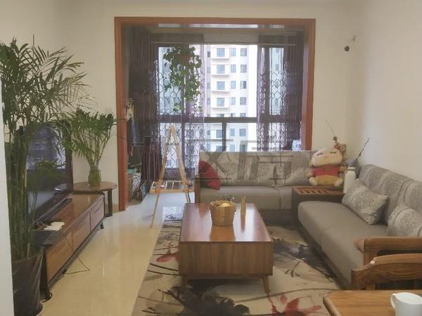 房东诚心急售城西二中学 区房时代文化家园精装三房,南北双阳台稀缺户型,随时看房。
