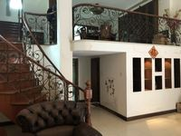 日康花园独栋别墅。占地1.5亩 豪华装修300万。提包入住 稀有房源