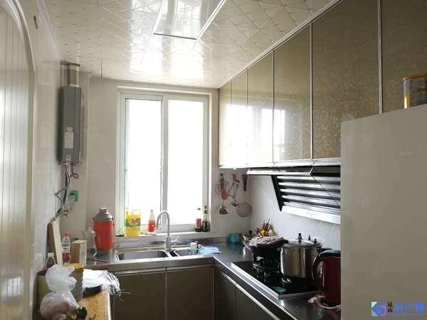 锦隆佳园 真实价格147W 88平 2室2厅1卫 精装修 中间楼层 带12平车库