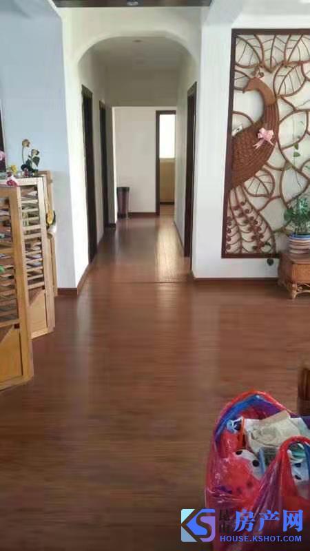 高档别墅区 品质小区 精装3房2卫 出租 附带双车位!!!