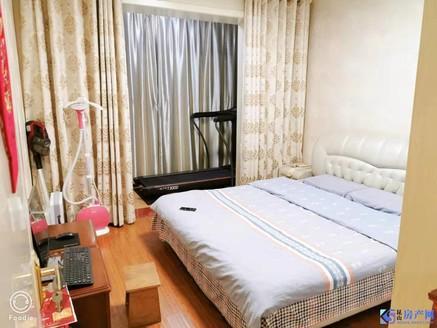 世茂东外滩,精装两房诚心出售,面积92售价180W看房随时