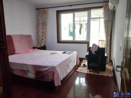 实地拍摄 海峰公寓精装五房 适合家庭人员多 采光无敌 房子大 舒适 送大汽车库