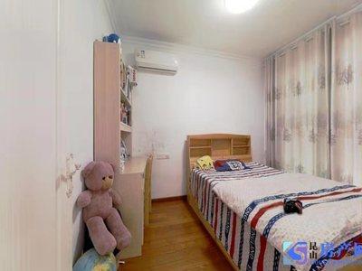 江南理想小三房。豪华装修20万 提包入住 满2年 可以上学