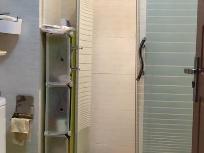 中航城70年产权房子,可以上学落户,民用水电,楼下就是地铁