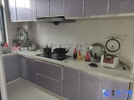 蝶湖湾 精装修 不是公寓 满2年 前几年装修 明年可上学