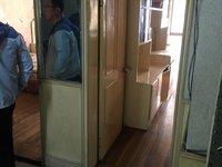 红峰二村 稀缺小户型 2个房间 超大看房方便 学籍未用过 有车库