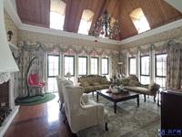 最新房源 淀山湖边稀缺 独栋别墅 占地2亩,500万奢华豪装 地上两层,花园临水