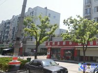 金澄路小区大门口繁华地段 纯一楼 双开间 地铁口 店面正气方正 适合自用投资