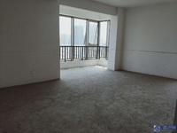 城西高档小区 长顺滨江皇冠买5室2厅5卫赠送2个阳台还送一个车位 只卖650万