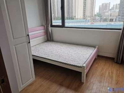 兰亭天悦,精装3房,125平,3400/月
