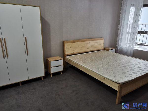 华润国际社区,精装3房,123平,3600/月