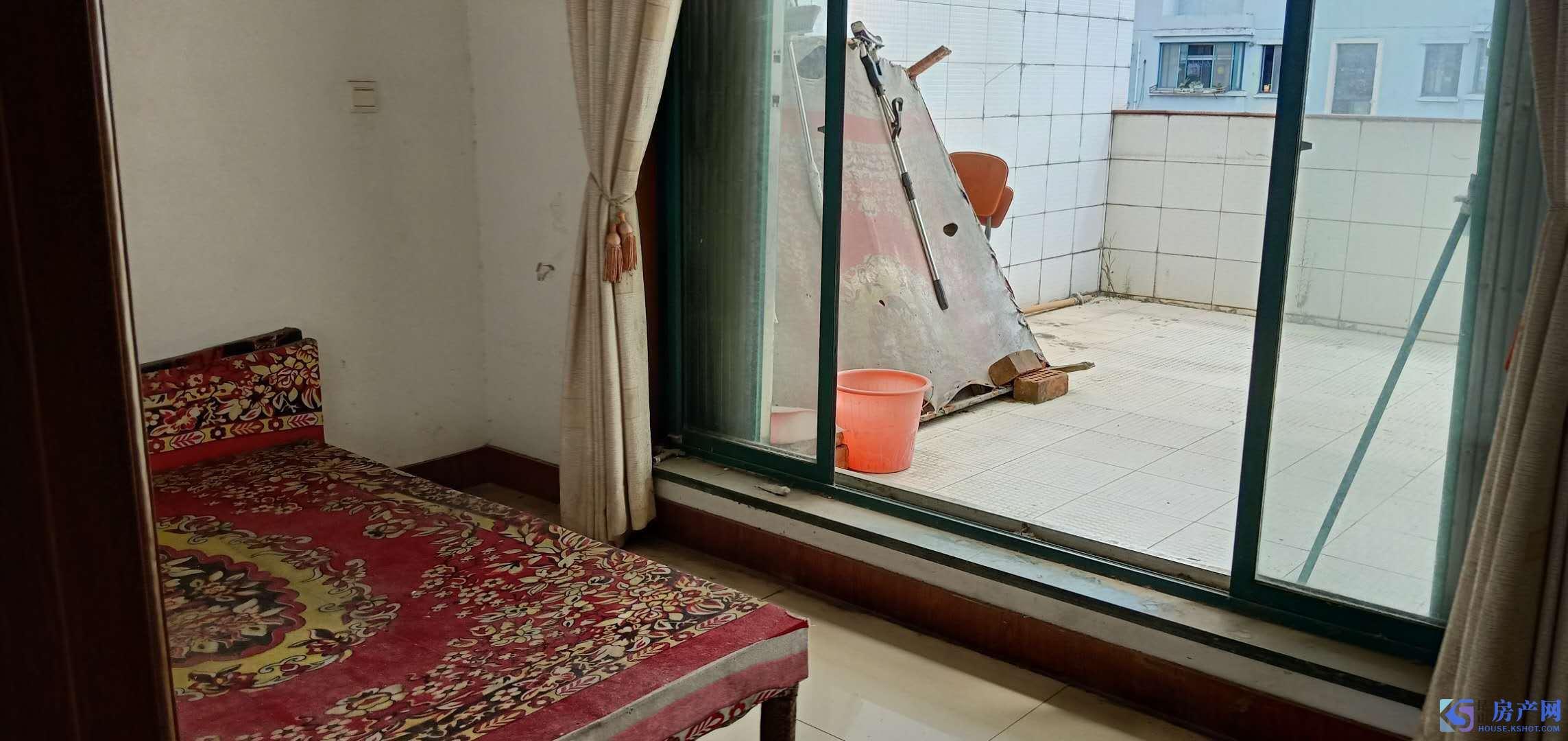 通澄花园,精装修3房,88平,1800/月