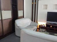 江南新村2室2厅1卫拎包入住实木地板干净整洁 原来是自住婚房