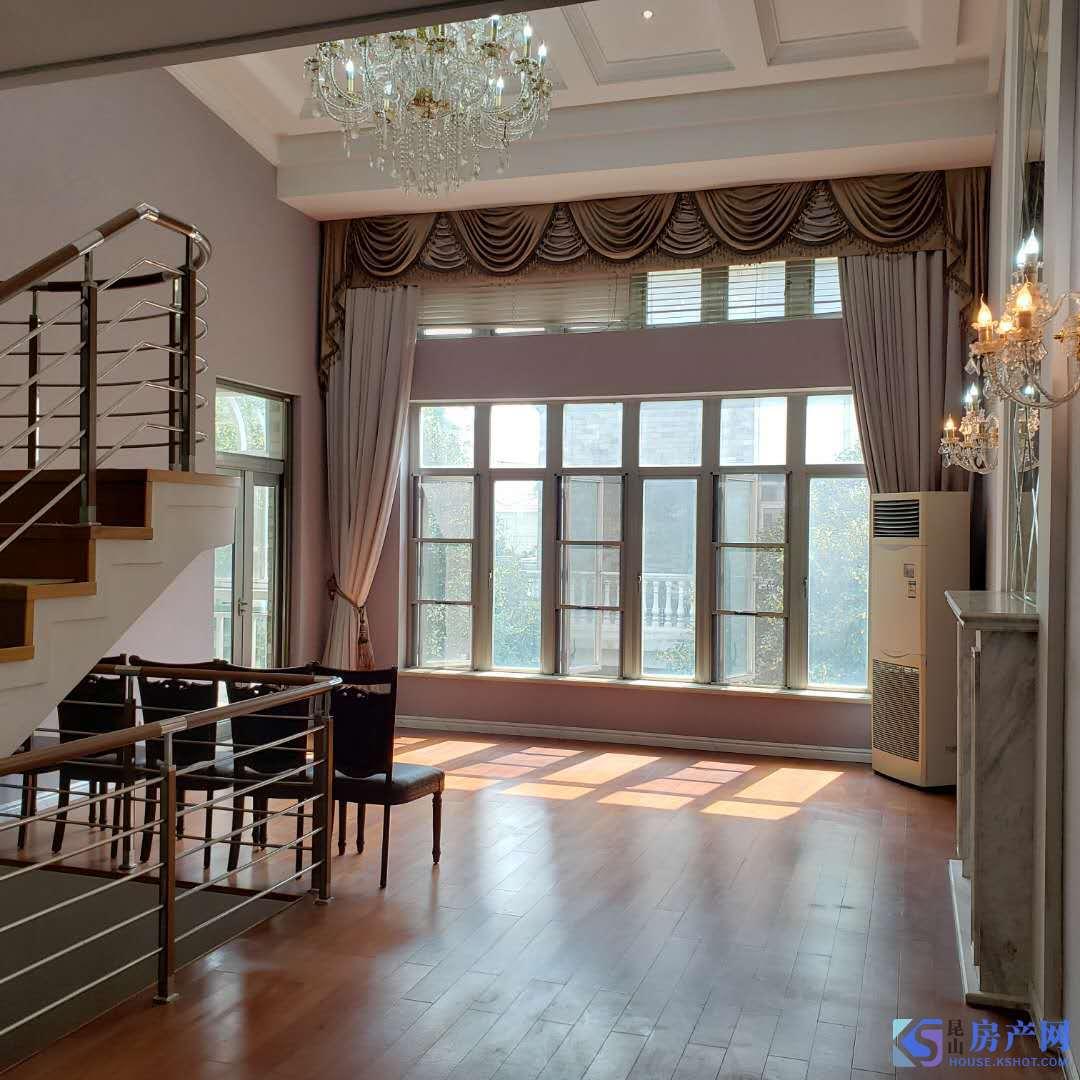 城西克拉水城独栋别墅,精装500平米,独立院子,15000/月