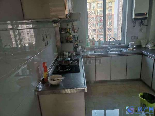房东急卖!三水萧林,精装两房,房东诚心急卖,好楼层好位置。