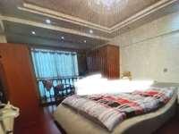 出售鱼尾狮玉峰山庄5室3厅4卫豪华装修1850万