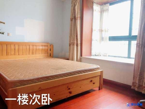 蓝波湾复试5室2厅2卫,位置好,可做员工宿舍,租金便宜,送沙发,架子床,开通燃气