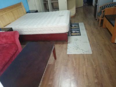 出租:市区板块300米 沪士小区1室1厅1卫56平米1400元/月住宅