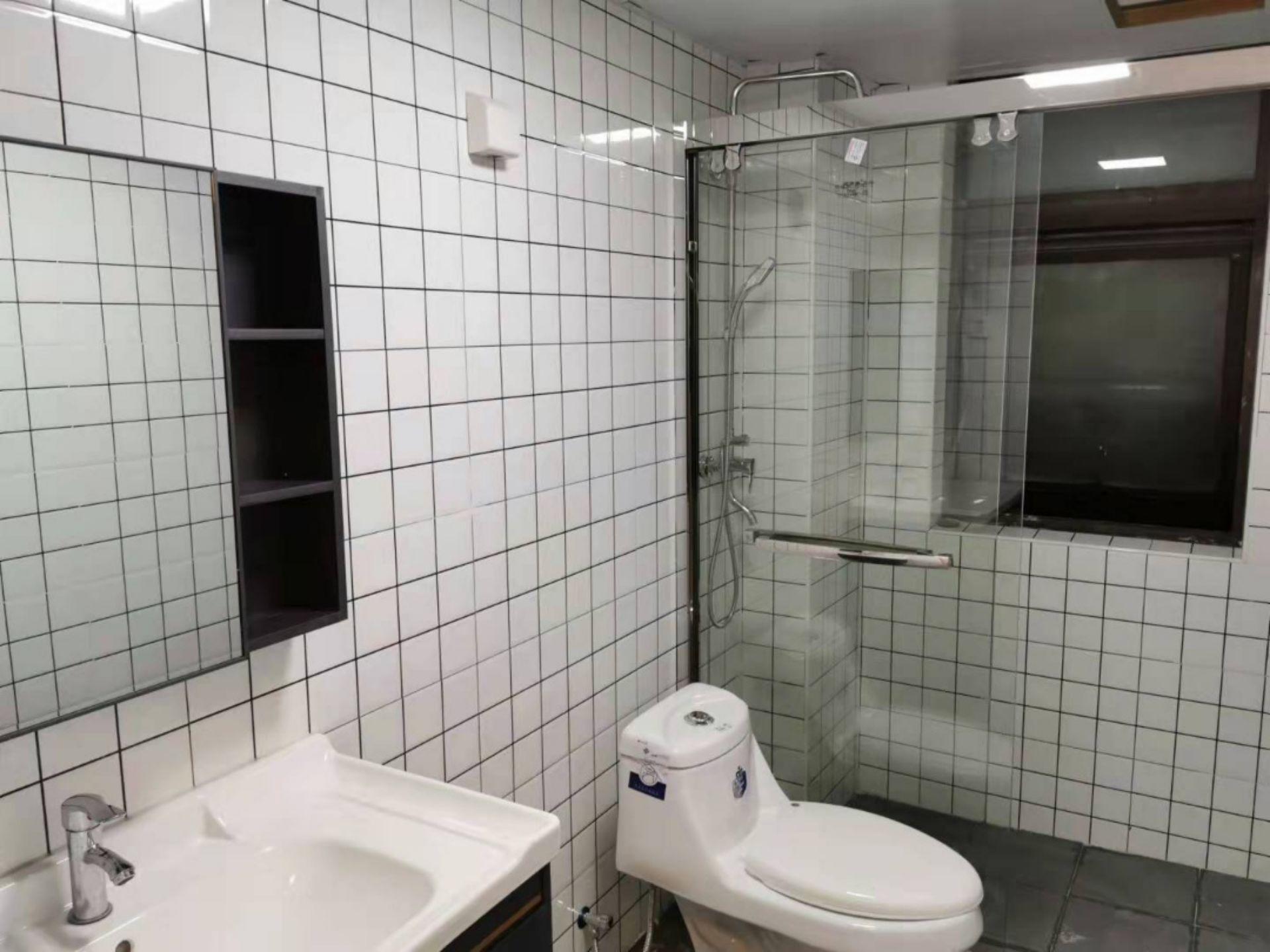 出租华润国际社区3室2厅1卫109平米4300元/月住宅