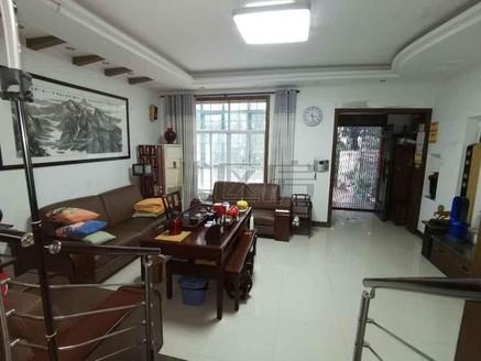 尚城国际花园 别墅 联排 南北带花园 精装修 小区中间位置 诚心出售