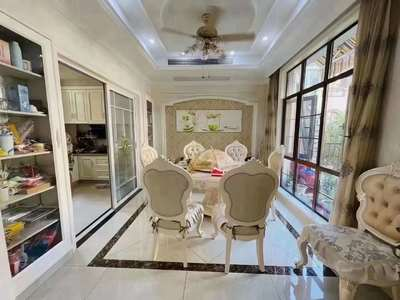 稀缺阳澄湖畔 地铁口优质别墅 房东换房诚心出售 豪装300万 送5个露台