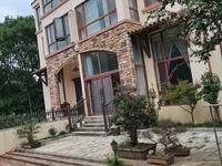 稀缺大双拼 南临河南花园 豪装300万 可使用面积300平 房东换房诚心出售