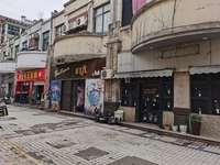 老城区莱茵广场进出口位置 适合酒吧 美团 广告公司 维修等等