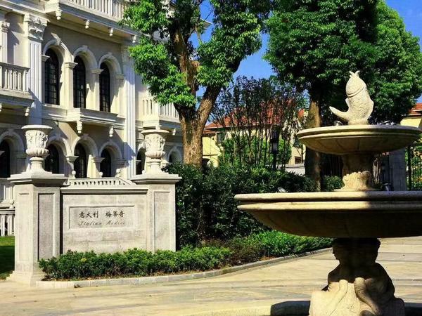 城西高端别墅 爱丽舍皇家 5年内没有房源出售 独栋和联排都有
