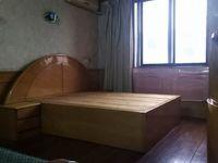 红峰新村4楼,玉峰小学,二中。