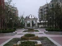 张浦蓝波湾地段好92平精装,满2年楼层采光好,房东自住保养如新,诚心出售99万
