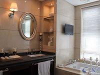 高端品质小区黄金海岸睿怡庭全新精装修的家电家具齐全的满5年唯一一套的大金空调